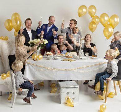 famiglia festeggia capodanno