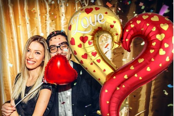 coppia palloncino cuore san valentino