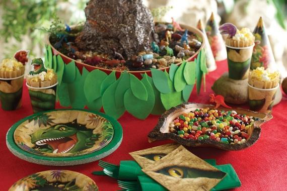 tavola imbandita feste a tema dinosauri