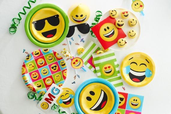 articoli festa a tema emoji