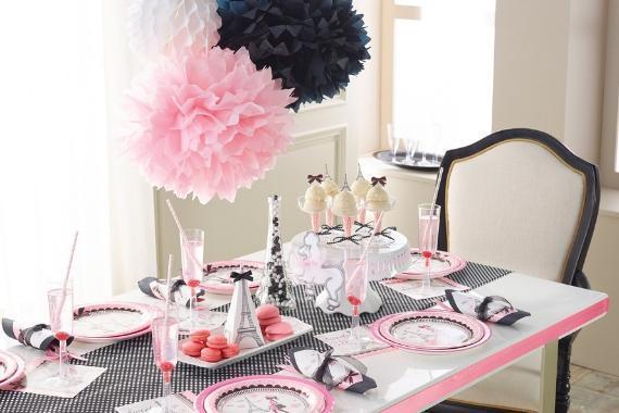 tavola imbandita festa tema parigi